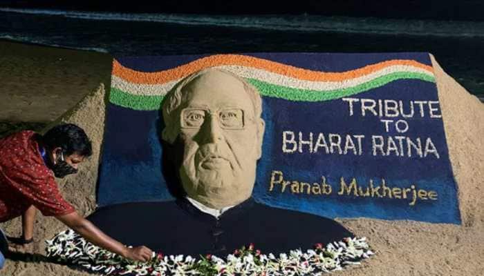 Sand artist Sudarshan Patnaik pays tribute to former president Pranab Mukherjee
