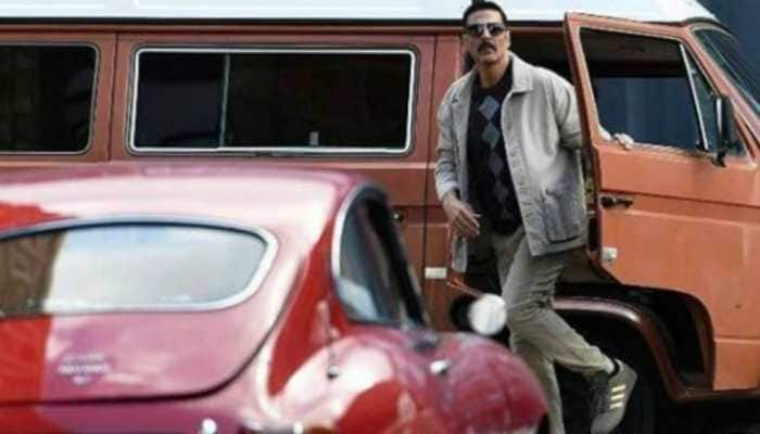 Akshay Kumar's first look from 'Bell Bottom' shoot grabs internet's attention