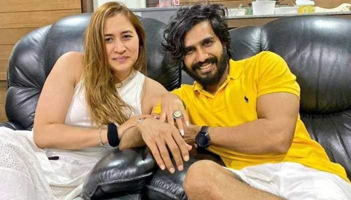 Indian shuttler Jwala Gutta announces engagement with actor Vishnu Vishal