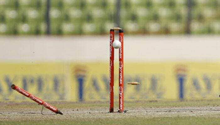 Mumbai Indians pacer breaks a stump into two pieces during training sessions - Watch