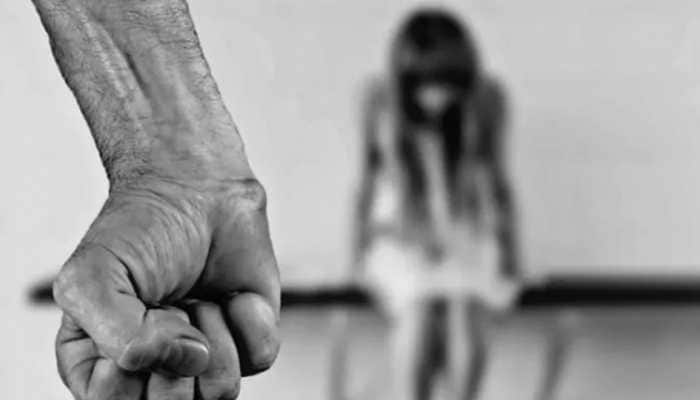 17-year-old Sikh girl kidnapped by 2 men in Pakistan, family fears forced conversion | World News | Zee News
