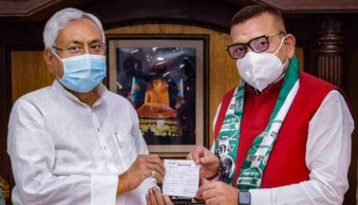 Gupteshwar Pandey who questioned Rhea Chakraborty's 'aukaat' now the new entrant in Nitish Kumar's JD(U)