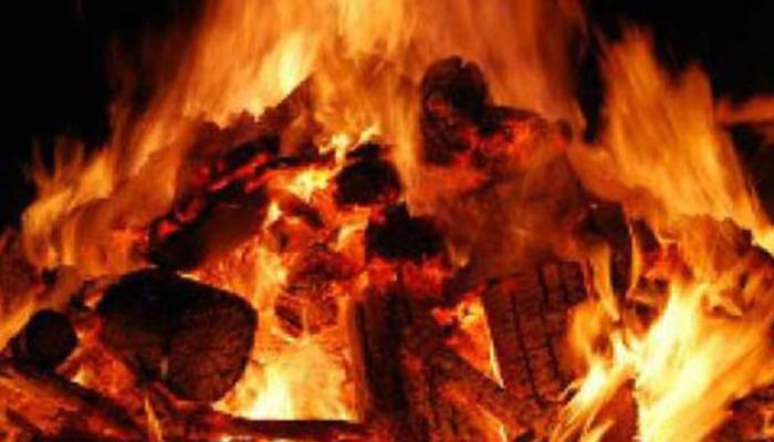 Hathras gangrape victim's body cremated by Uttar Pradesh police despite protests by family