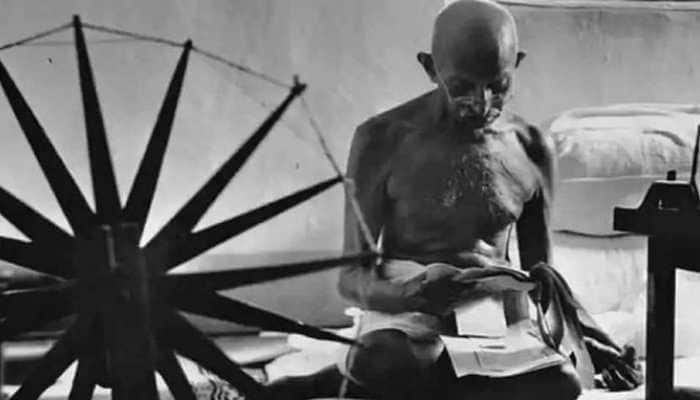 5 Financial mantras that you can learn from Mahatma Gandhi's life