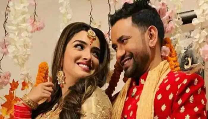 Bhojpuri super hit jodi of Aamrapali Dubey and Nirahua 's new pic makes fans excited!