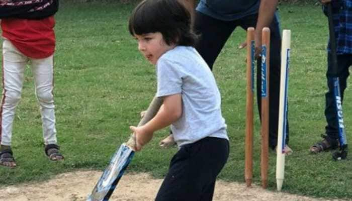 Pic of Taimur playing cricket is the cutest thing on internet today, courtesy Kareena Kapoor Khan