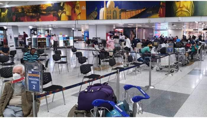 IndiGo to charge Rs 100 service fee for check-in at airport counters