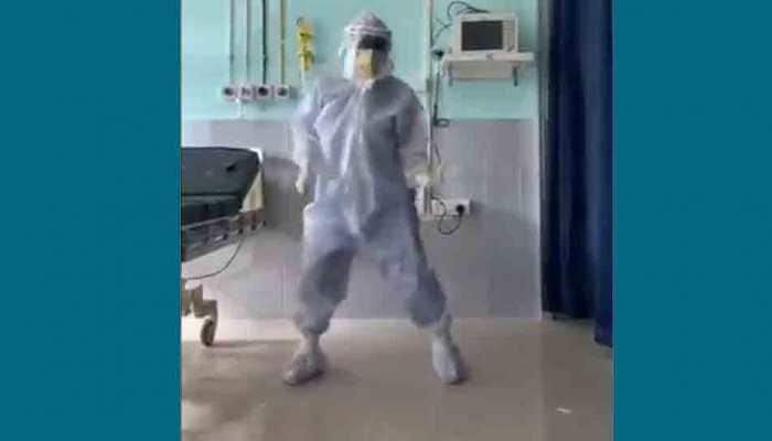 Viral video: Assam doctor dances to Hrithik Roshan's Ghungroo track to cheer up COVID-19 patients