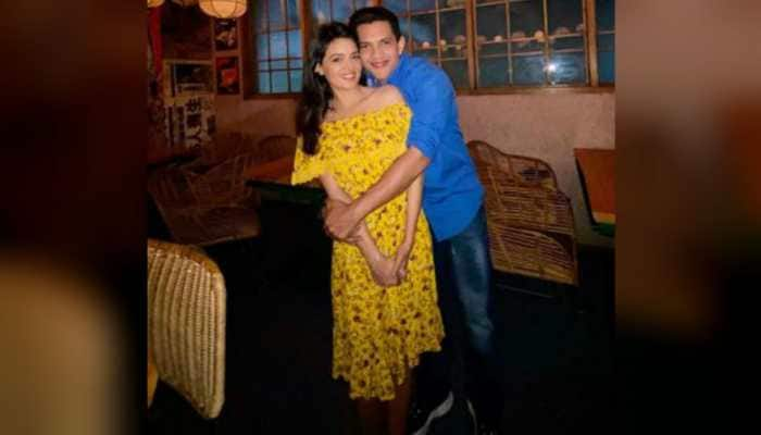 Aditya Narayan shares loved-up pic with girlfriend Shweta Agarwal, reveals when they are getting married