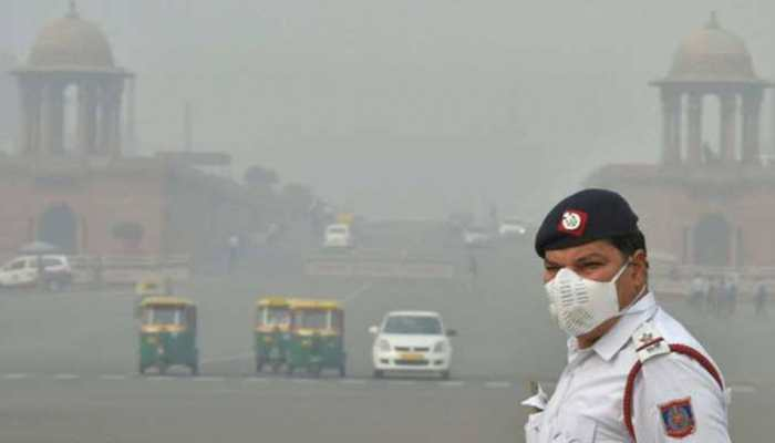 Air pollution in Delhi continues to remain under 'severe' category with reduced visibility