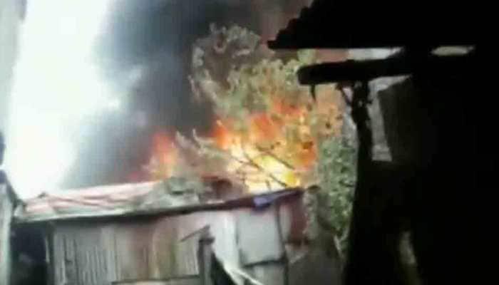 Major fire breaks out at godown in Mumbai's Kurla West; 5 firetenders on spot