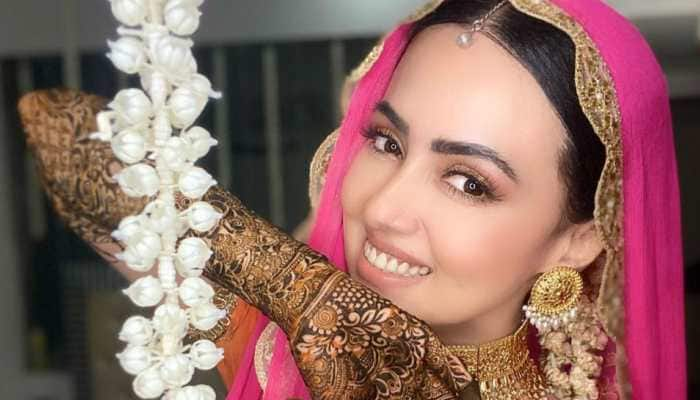 After wedding pics, Sana Khan shares glimpses from mehendi ceremony