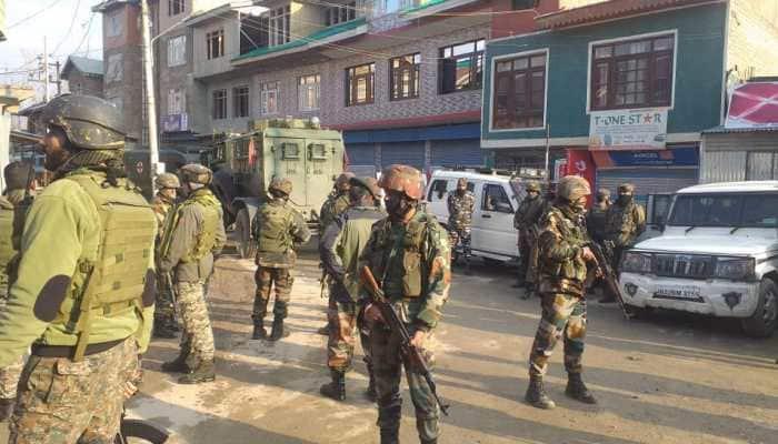 Jammu and Kashmir terrorist attack: Two Indian Army soldiers martyred near  Srinagar ahead of DDC polls | India News | Zee News