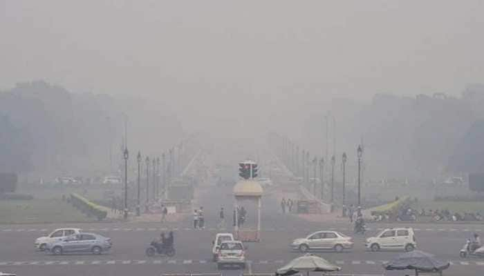 Delhi's air quality remains in 'very poor' category with pollutant PM 2.5 at 356