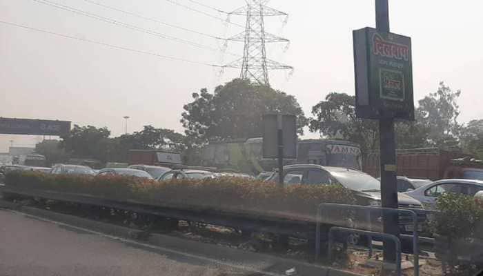 Major traffic snarls leading to Delhi from Haryana, UP borders due to farmers' agitation