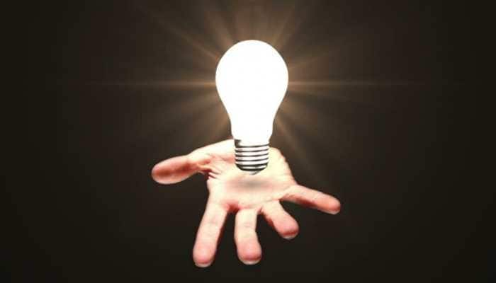 Bizarre! Thugs dupe Delhi businessman, sell ordinary bulb as 'magic lamp' to him for Rs 9 lakh