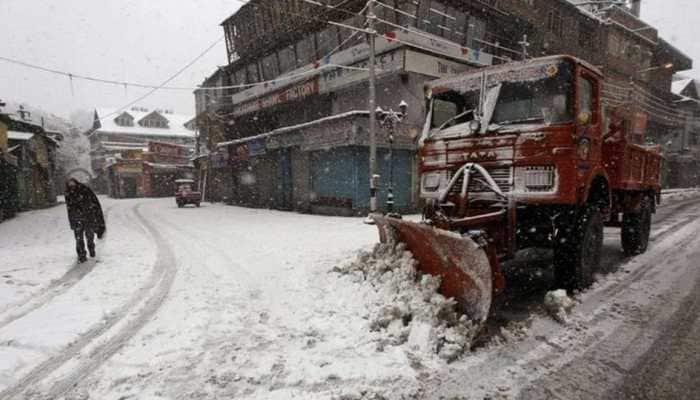 Kashmir plains receive first snowfall; major highways closed due to heavy rainfall, landslides