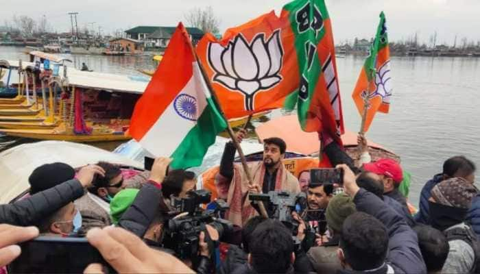 BJP workers, journalists rescued from Srinagar's Dal Lake as their shikara keels over during campaigning