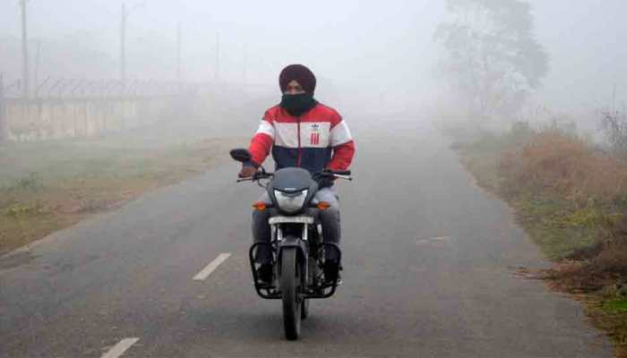 Mercury dips to 4.1 degree Celcius in Delhi; icy winds flow, cold wave grips capital