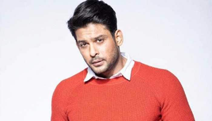 Bigg Boss 13 winner Sidharth Shukla surrounded by a gang of boys late night on road, video goes viral - Watch