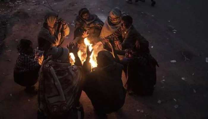 Icy cold winds blow across Northern India, Delhi shivers at 3 degrees Celsius