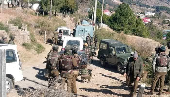 Jammu and Kashmir Police arrests terrorist associate, recover incriminating material