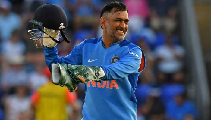 MS Dhoni wins ICC Spirit of Cricket Award of Decade for this gesture; read here
