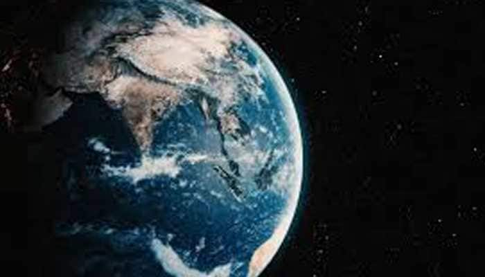 Indian-origin chemist Ramanarayanan Krishnamurthy finds new clue to how life began on Earth