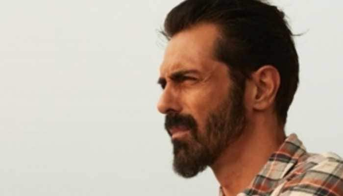 Arjun Rampal posts new year wishes, says 'I have never been on the wrong side of the law'