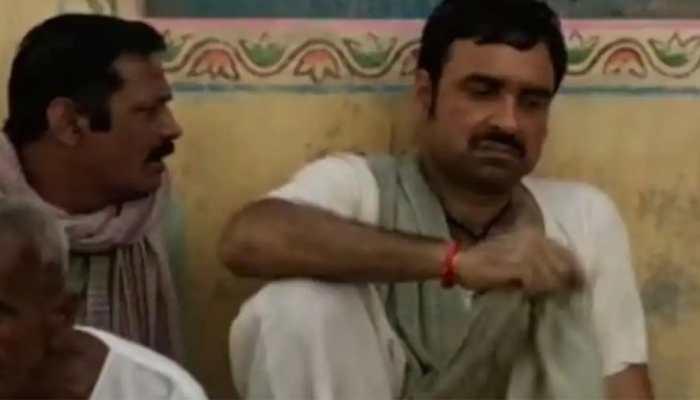 Pankaj Tripathi's 'Kagaaz' to release in this UP village via mobile movie theatre technology