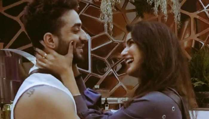 Bigg Boss 14: Jasmin Bhasin gets evicted, rallies fans to help Aly Goni win