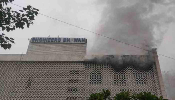 Fire breaks out at Engineer Bhawan near ITO in Delhi, firetenders rushed to spot