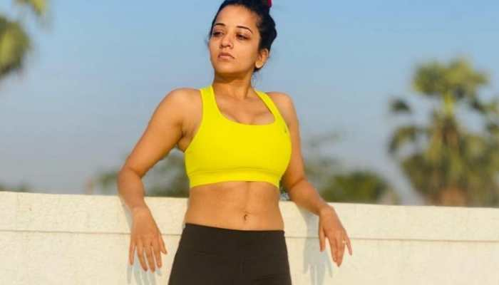 Bhojpuri star Monalisa flaunts abs in new post- Watch