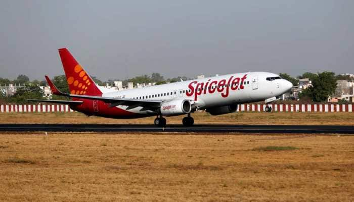 Spicejet plane carrying West Bengal DGP makes emergency landing at Kolkata airport