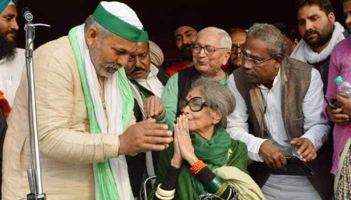 Mahatma Gandhi's granddaughter Tara Gandhi Bhattacharjee visits farmers' protest site in Delhi