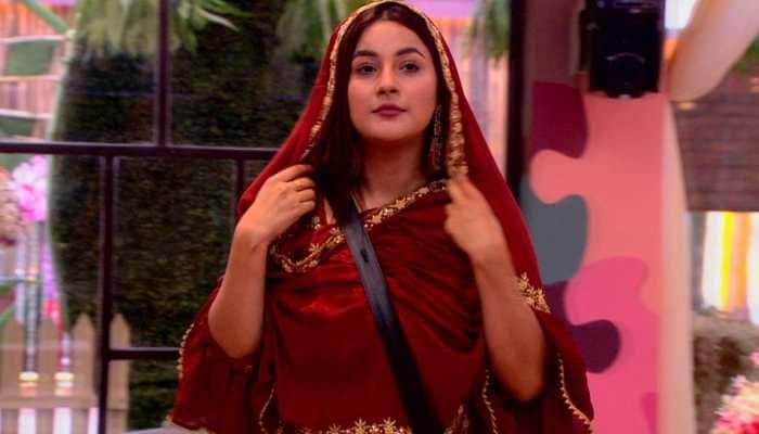 Bigg Boss 13 fame Shehnaaz Gill to make her film debut in Diljit Dosanjh's Honsla Rakh
