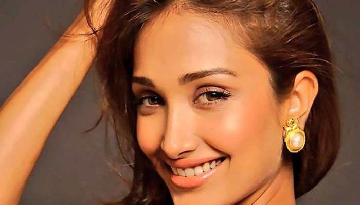 Jiah Khan's 32nd birth anniversary: Fans remember Nishabd actress, share pics!