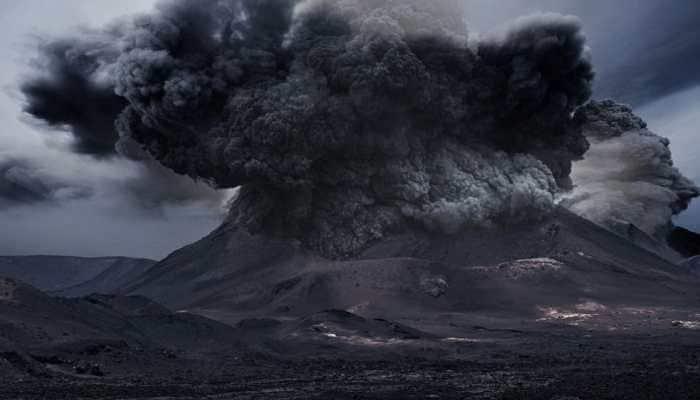 Guatemala's Pacaya volcano erupts, netizens share awestruck photos!