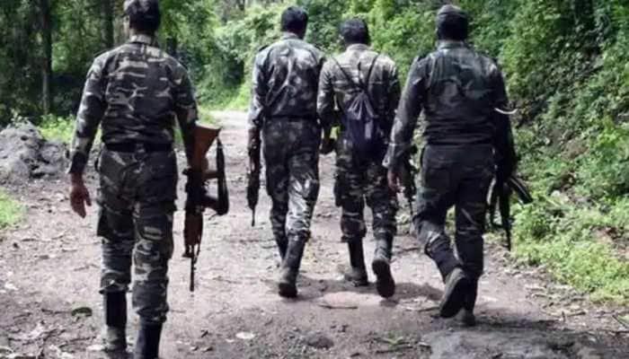 Maharashtra: Naxal weapons manufacturing unit busted, one policeman injured
