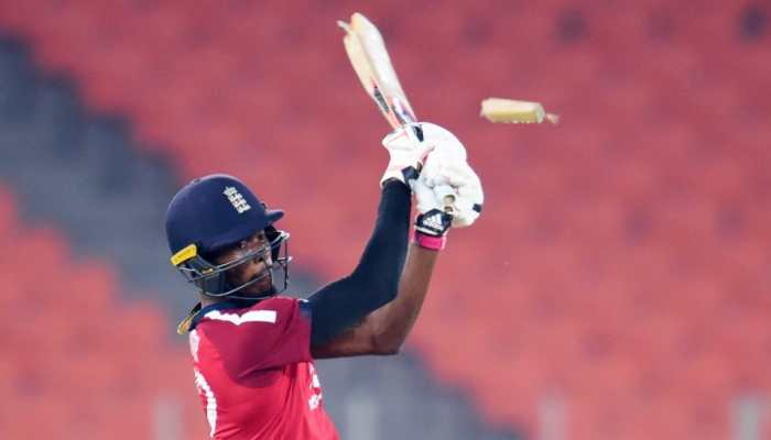 Breaking bat: Jofra Archer's old tweet goes viral after THIS incident