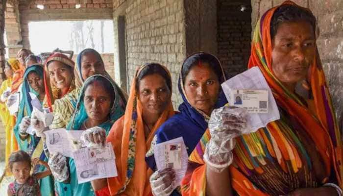 UP panchayat polls: Only five people will be allowed during door-to-door campaigning, says SEC