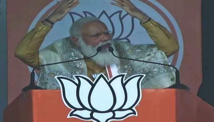 'Didi jacche, ashol poriborton asche': PM Modi targets Mamata Banerjee at rally in Kanthi