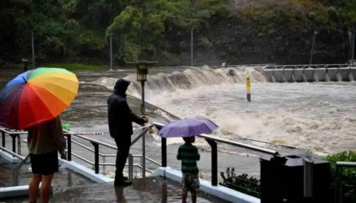 Thousands remain stranded by flooding in eastern Australia