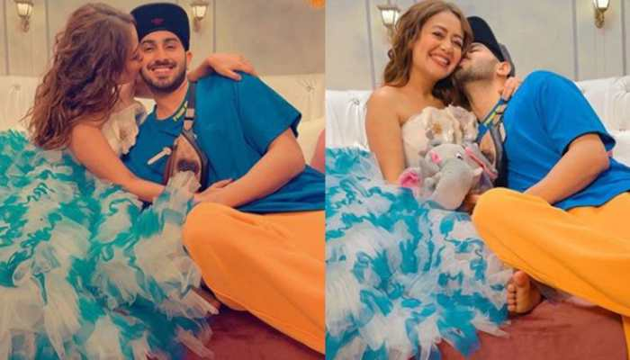 Neha Kakkar, hubby Rohanpreet Singh's pre-Holi pool party gets fam jam together, dance to Tera Suit song - Watch