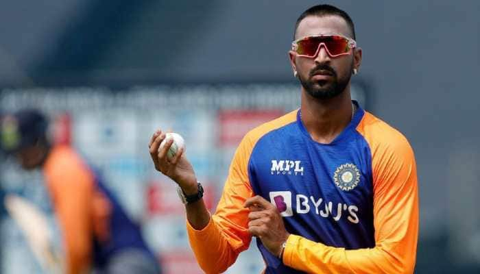 'Krunal can't bowl 10 overs': Cricket legend opines about Pandya Senior