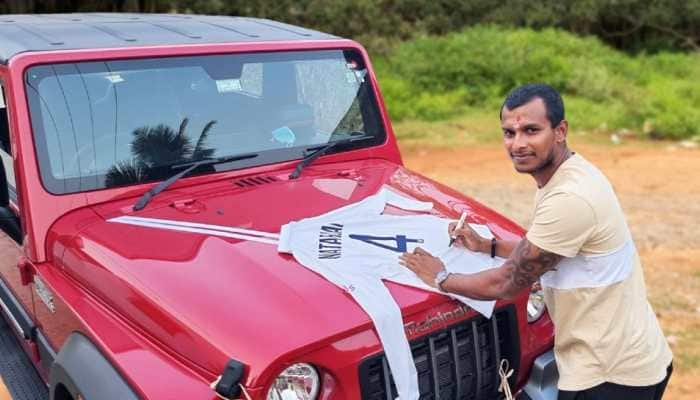 Anand Mahindra gifted the latest Thar to these cricketers, know why