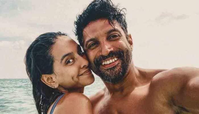Shibani Dandekar looks smoking hot in bikini photo from Maldives, beau Farhan Akhtar showers love