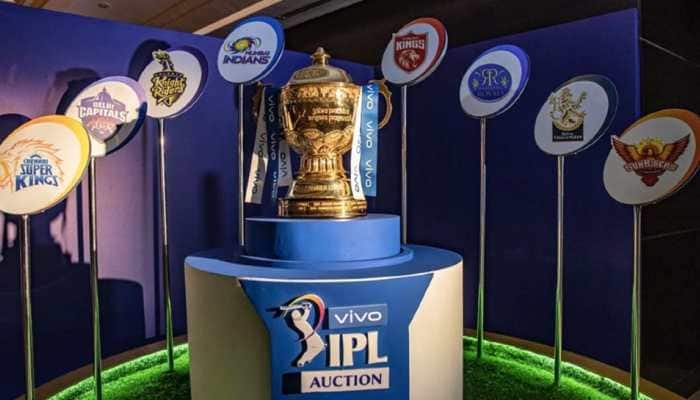 MI vs RCB Dream11 Team Prediction IPL 2021: Fantasy Playing Tips, Probable XIs For Today's Mumbai Indians vs Royal Challengers Bangalore T20 Match