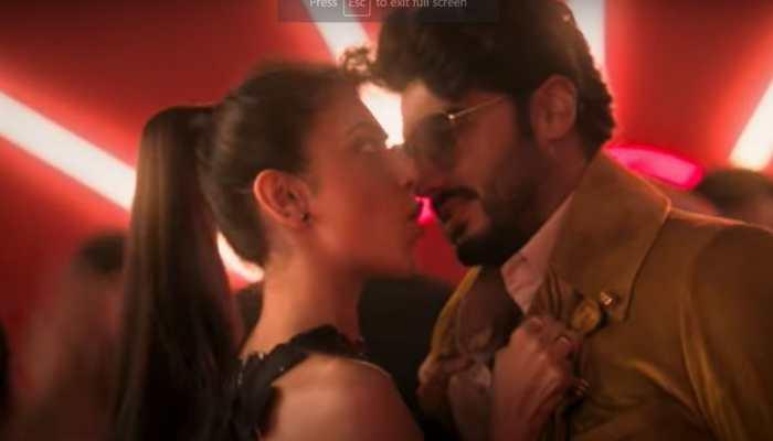 Arjun Kapoor and Rakul Preet Singh's sizzling chemistry in romantic song 'Dil Hai Deewana is hard to miss!- WATCH
