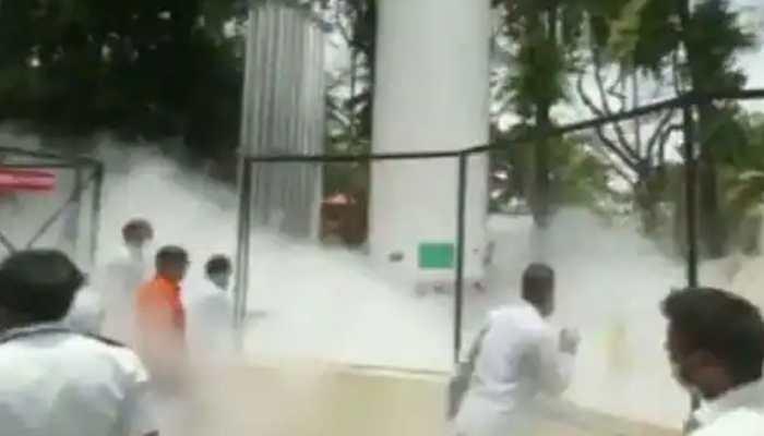 11 patients on ventilator die due to suspected oxygen leakage in Nashik, probe ordered